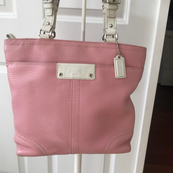 Coach Handbags - ♥️🌻Coach Pink Leather Tote! Darling!